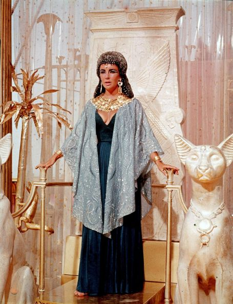 elizabeth-taylor-promotional-photos-from-cleopatra-movie_4.jpg