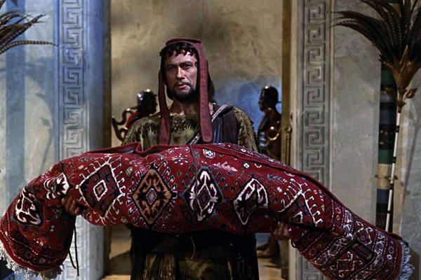 haloıya sarılmış kleopatraa
