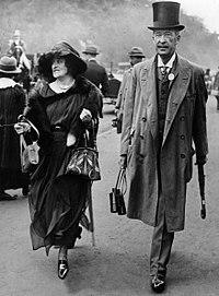 Beşinci Carnarvon Kontu George Herbert ve kızı Lady Evelyn Herbert